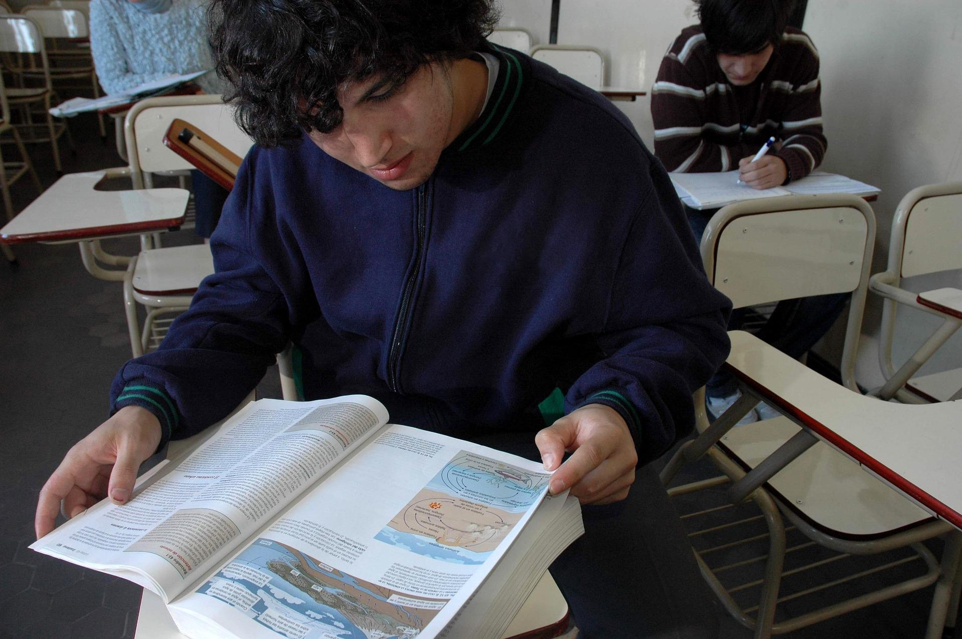 classroom-732016_1920